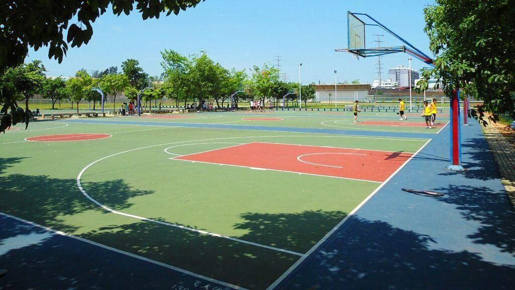 construccion cancha de baloncesto españa