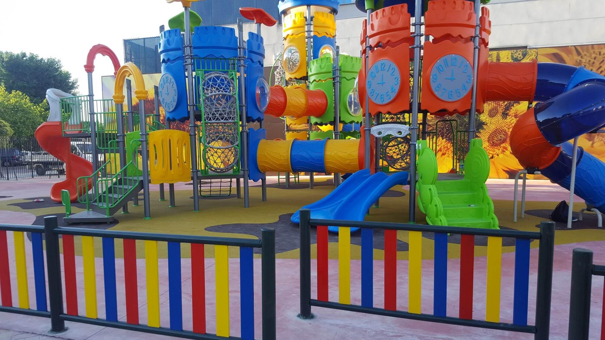 mobiliario parques infantiles