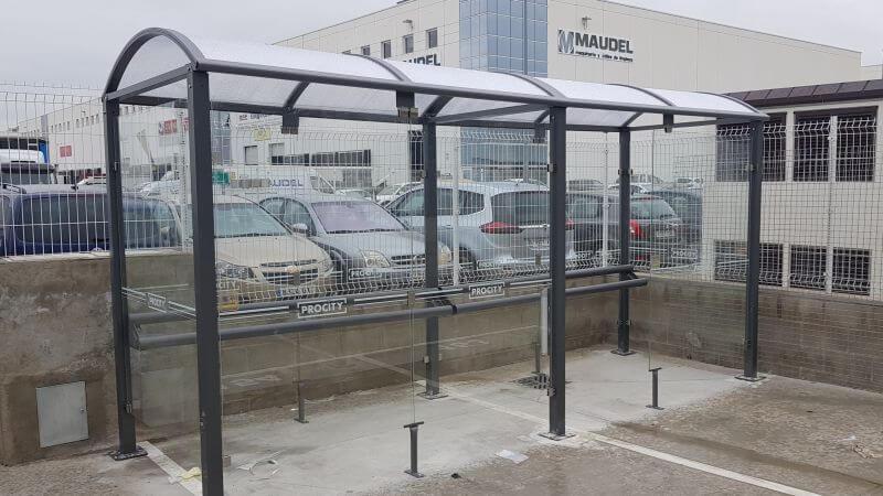 equipamiento mobiliario urbano madrid