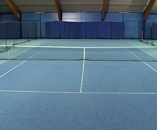 precio pista tenis interior indoor
