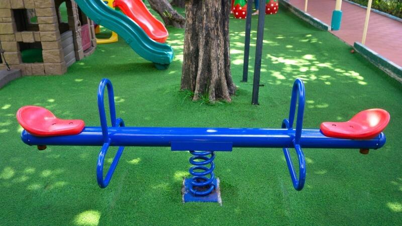 montaje muelles parque infantil