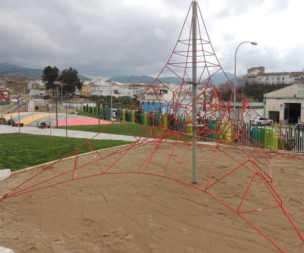 instalador de piramides infantiles para parques